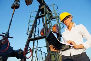 Women in North Dakota Oil Industry Face Unique Employment Challenges